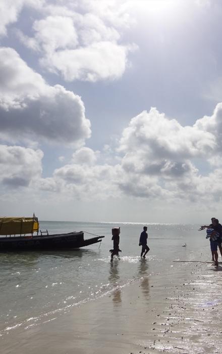Barefoot Holidays Sea Shore